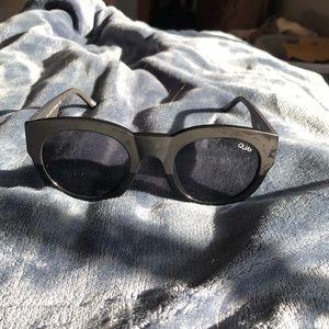 Quay sunglasses round